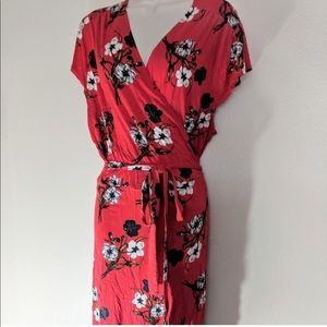 Red floral wrap dress size large